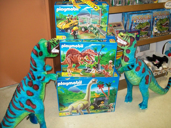 Colonial books and kids shelf - Dinosaur playmobile ...