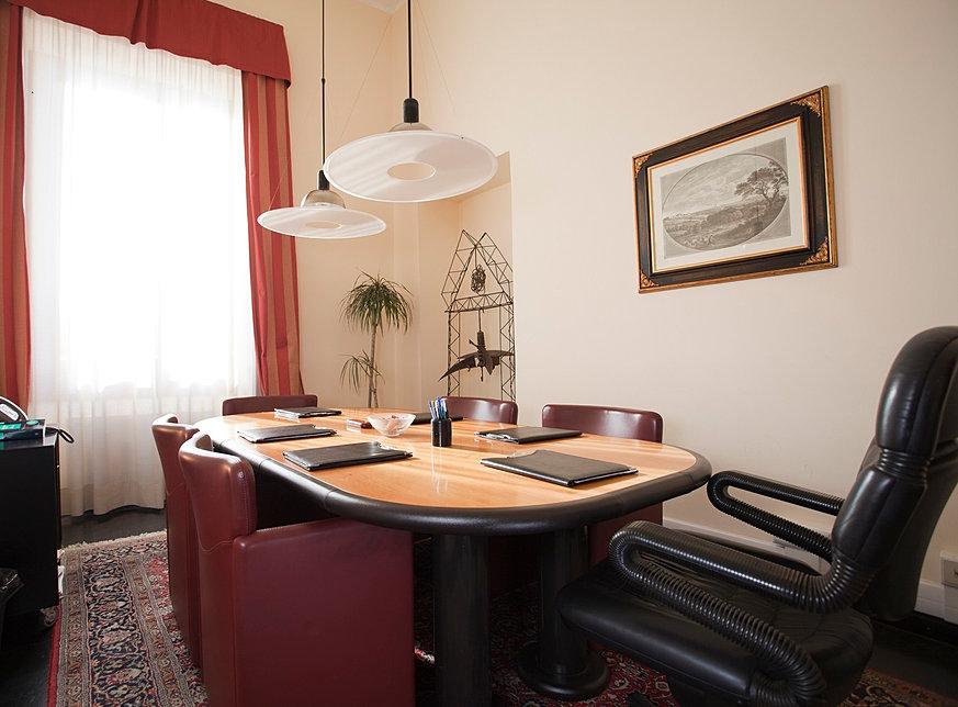 Studio legale associato vignolo massa avvocati roma cagliari for Sala riunioni