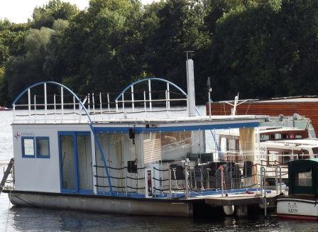 hausboot kaufen in berlin aqua apart. Black Bedroom Furniture Sets. Home Design Ideas