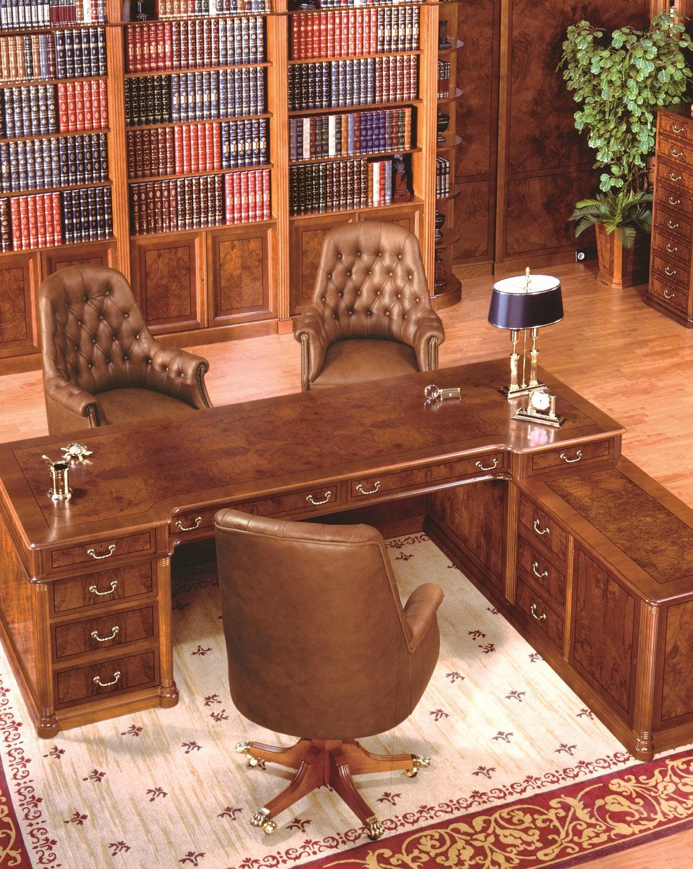 em madeira e pele 01012.Cadeira clássica de visitante em madeira  #A45727 1197x1500