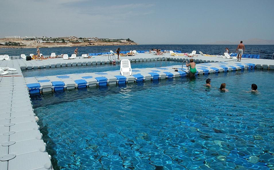 Natercar torretas de suministro piscinas flotantes for Suministros para piscinas