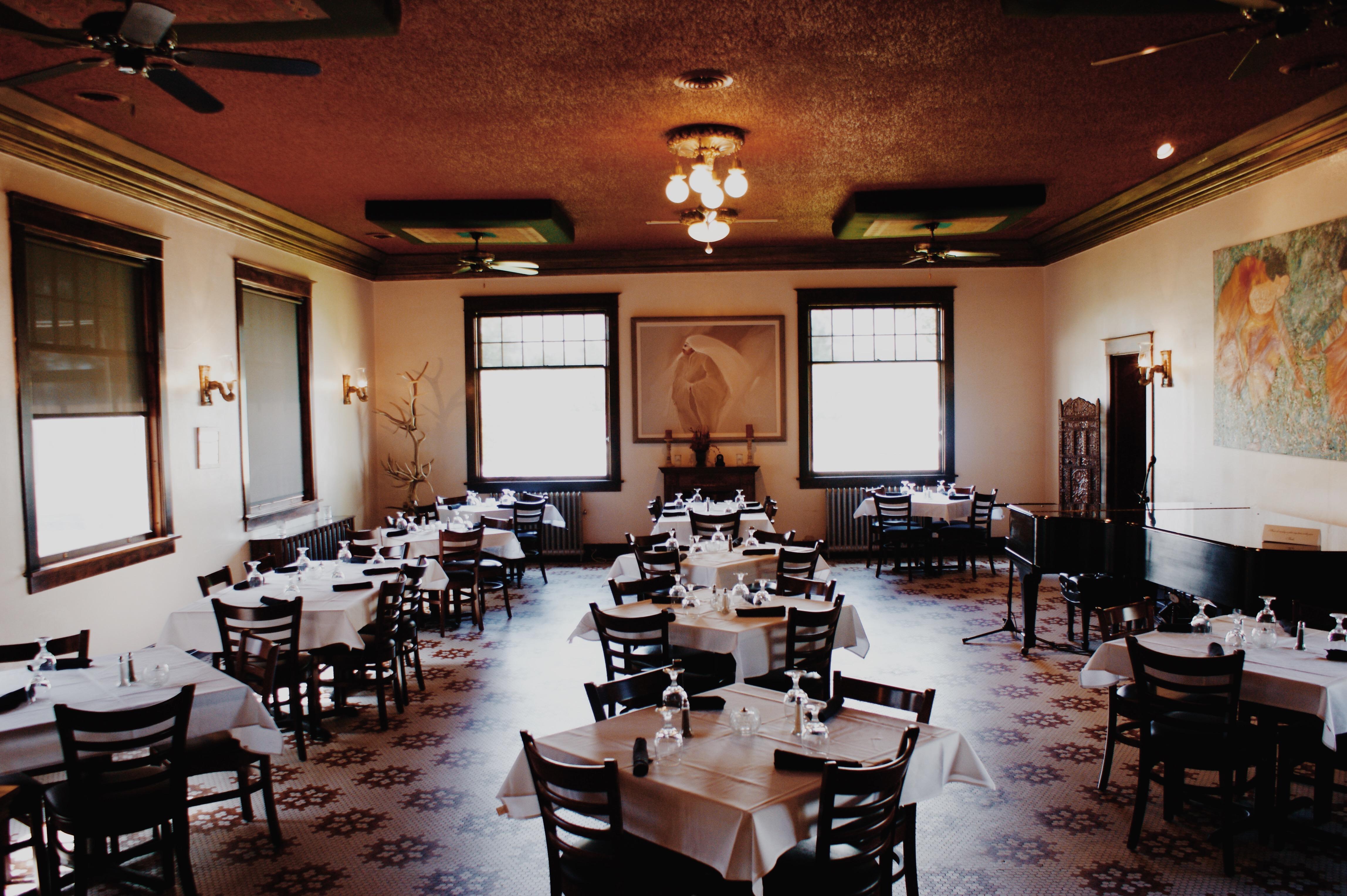 Higgins Restaurant And Bar