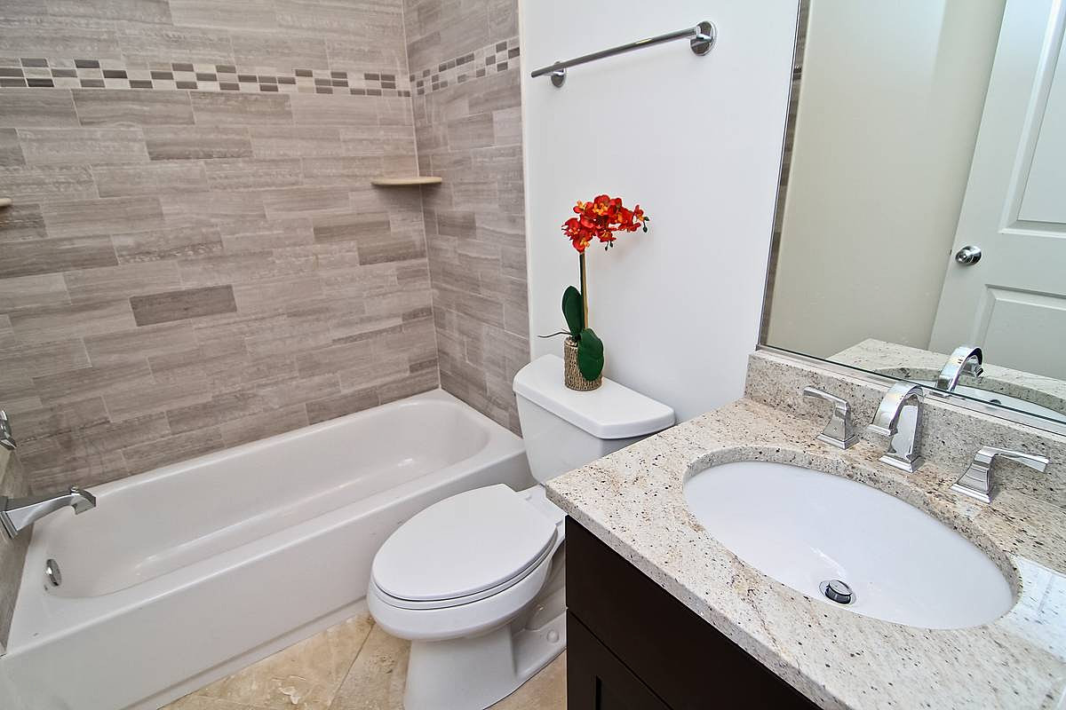 Erb full secondary bath for W 4 bathrooms chiswick
