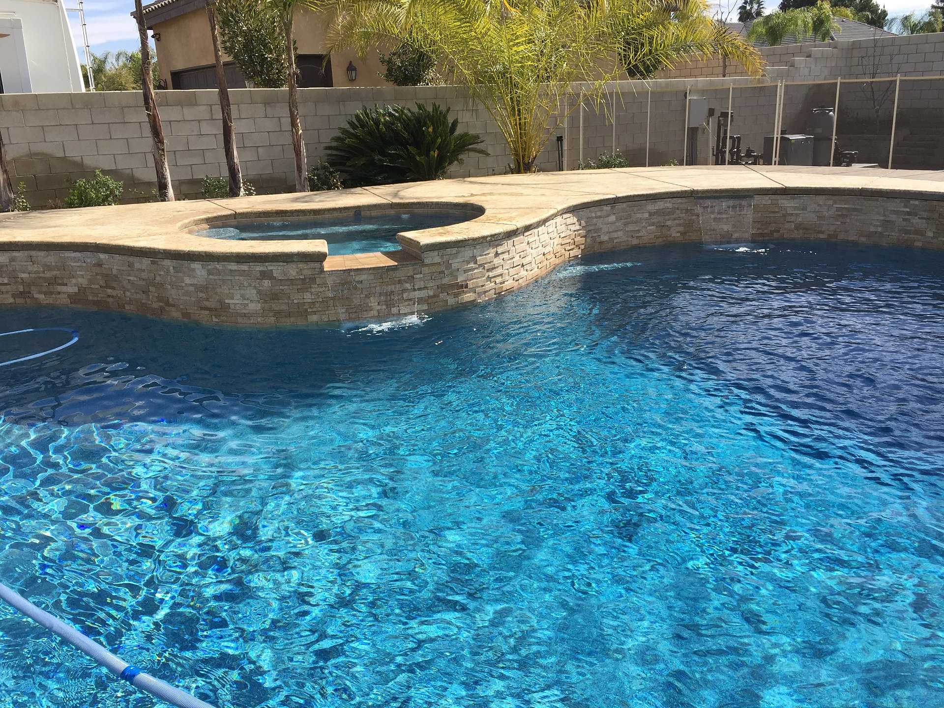 Bakersfield swimming pool builder bakersfield swimming for Pool and spa builders