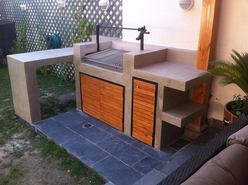 Obraa terrazas y quinchos for Modelos de jardineras para patios