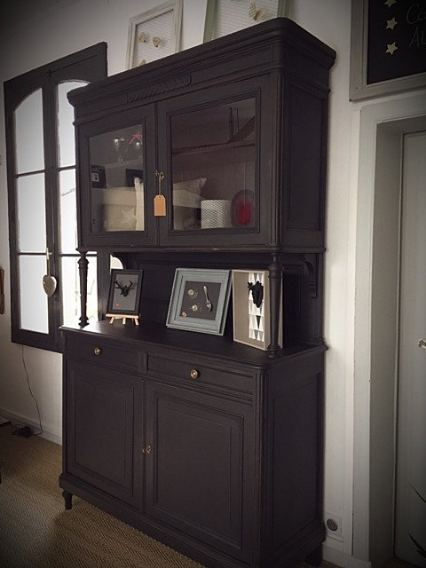 relooking buffet ancien les derni res id es de design et int ressantes. Black Bedroom Furniture Sets. Home Design Ideas