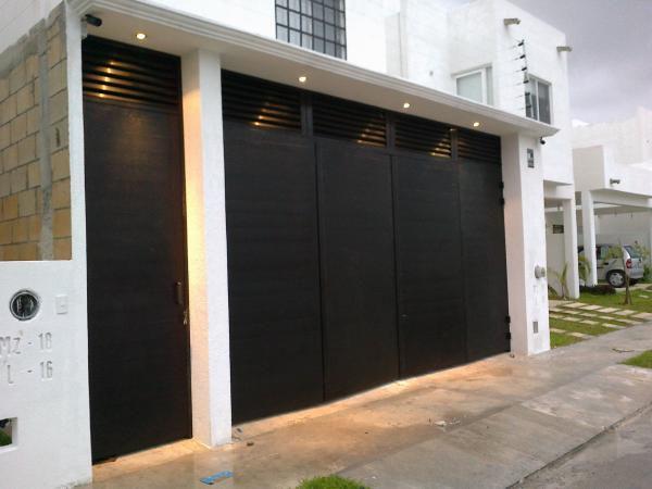 Puertas automaticas en villahermosa y portones ducler for Modelos de portones metalicos para casas