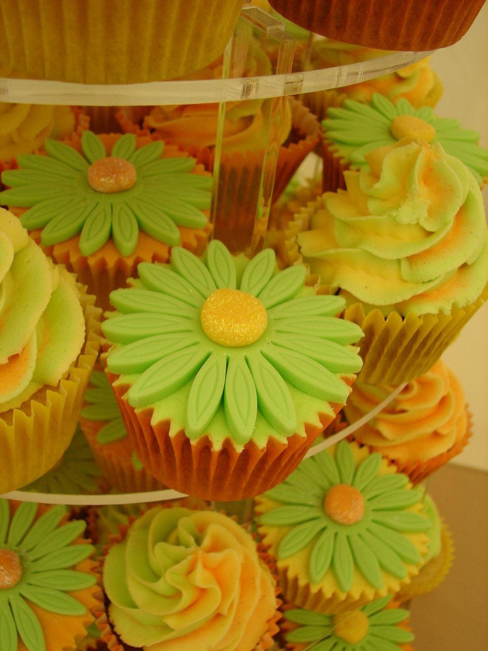 Wedding Cupcakes by Nom Nom Cupcakes, Stourbridge, Birmingham and ...