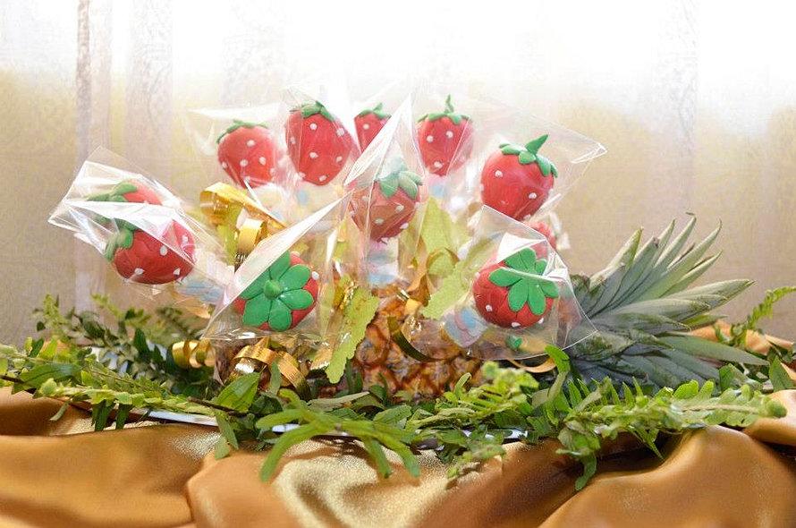 Arreglo de cake pops de fresas