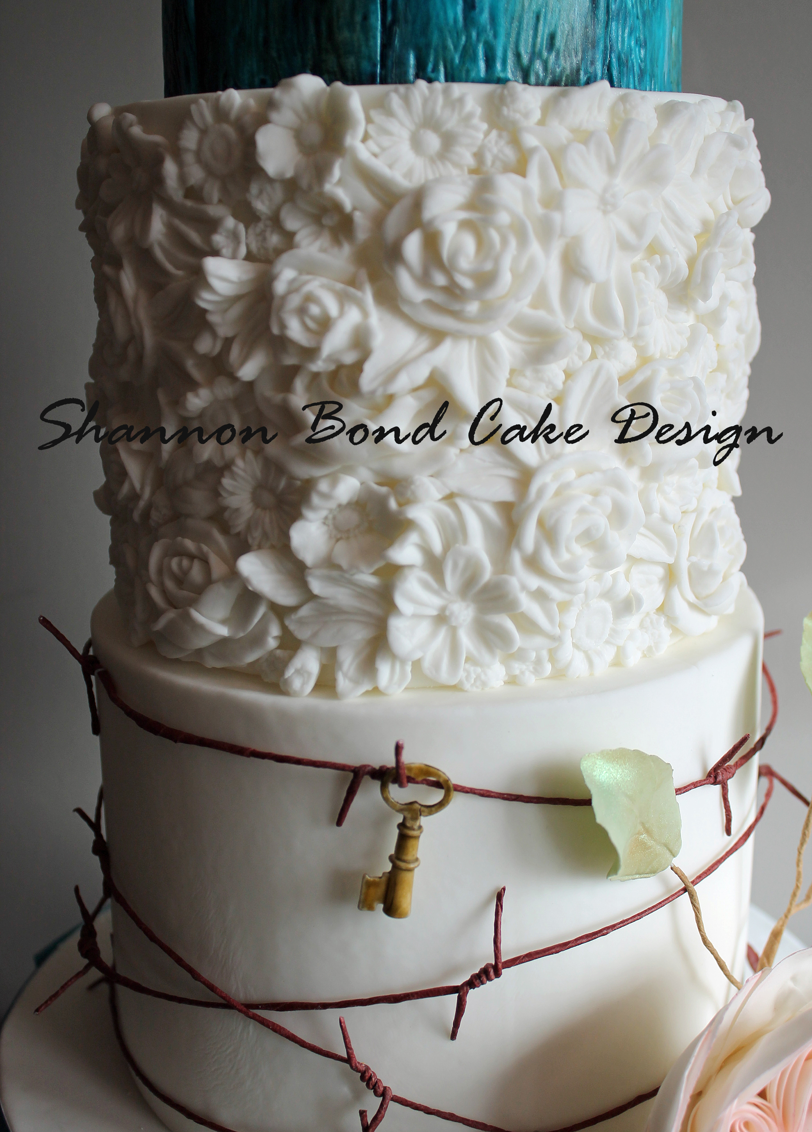 a kansas city wedding cake inspired by the country. Black Bedroom Furniture Sets. Home Design Ideas
