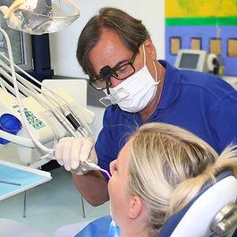 Therapie bei der Behandlung  in der Praxis Dr. Wittschier