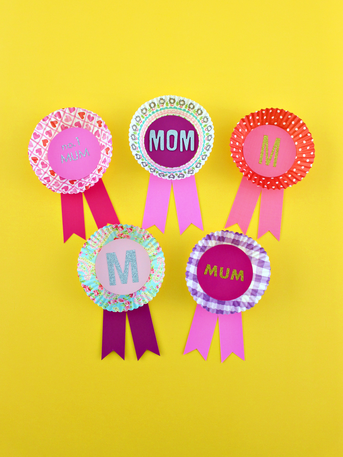 FOR MOM: EASY CUPCAKE LINER NAME BADGE