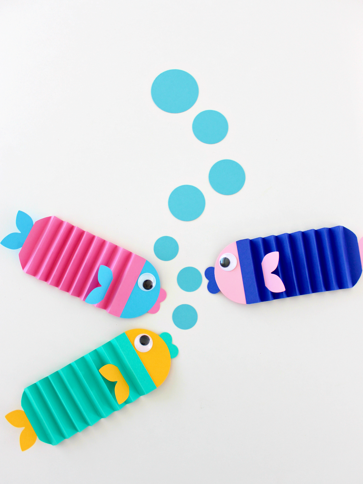 MAY PAPER CRAFT CHALLENGE DAY 13: ACCORDION FISH