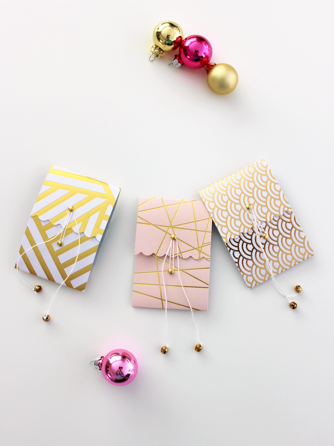DIY GIFT CARD HOLDERS WITH BELLS ON