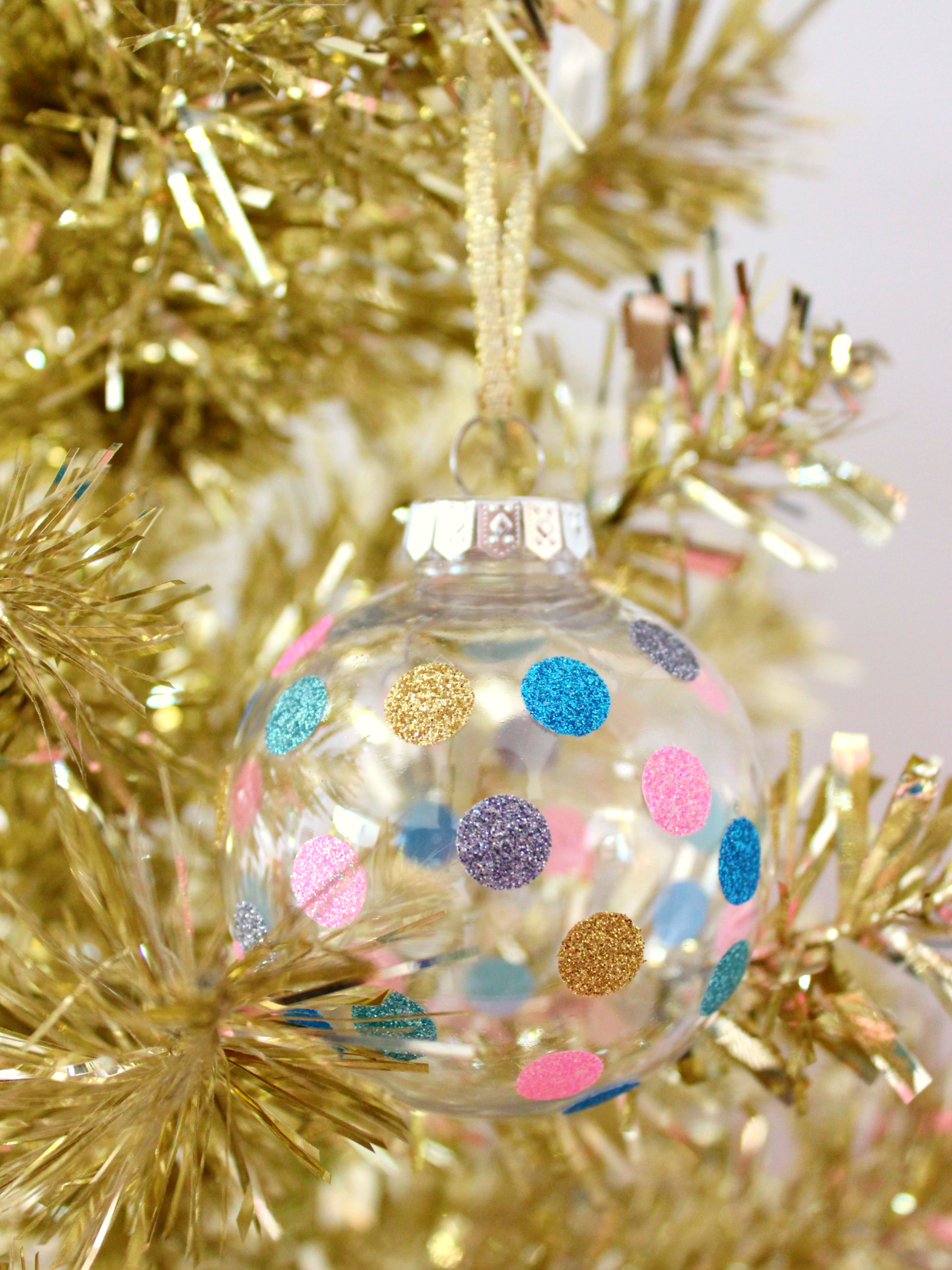 DIY GLITTER WASHI TAPE BAUBLES