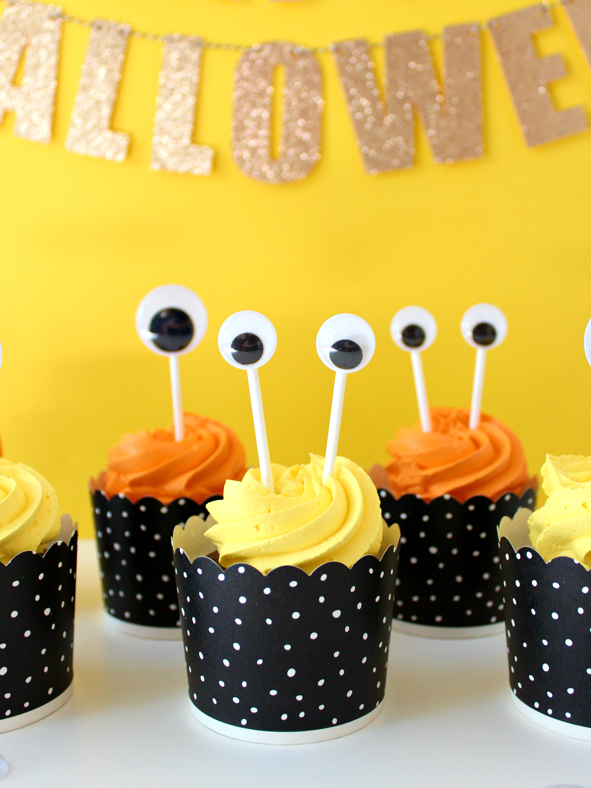 DIY ONE & TWO-EYED MONSTER CUPCAKE TOPPERS
