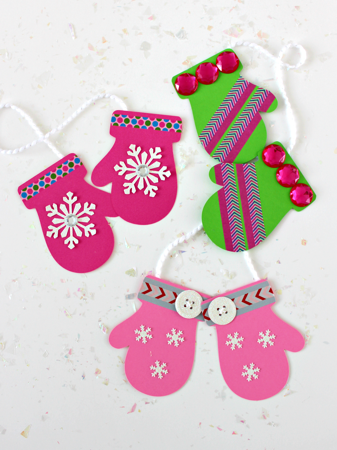 DECORATED PAPER MITTENS (WITH FREE TEMPLATE)