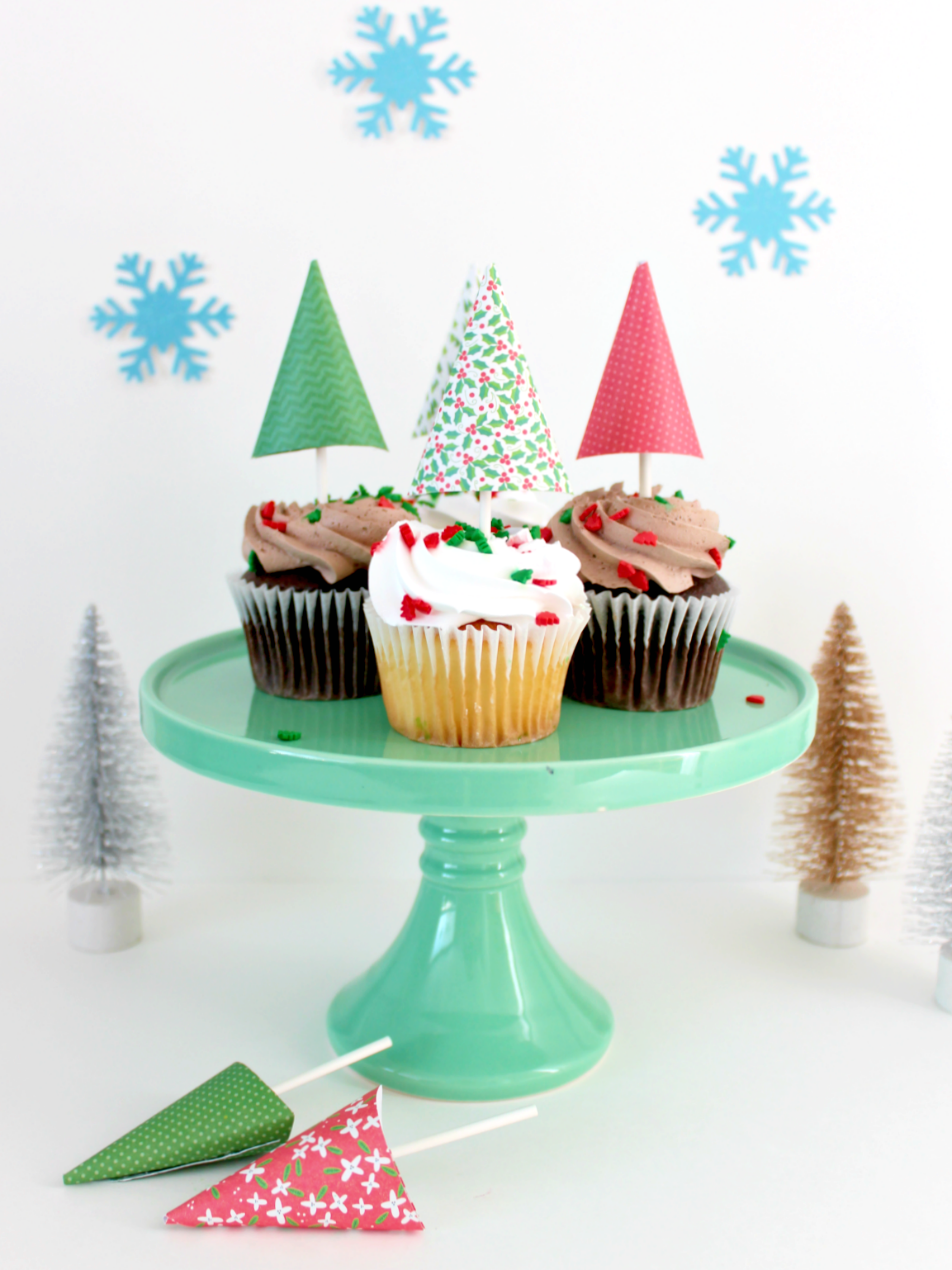 MINI PAPER TREES CUPCAKE TOPPERS