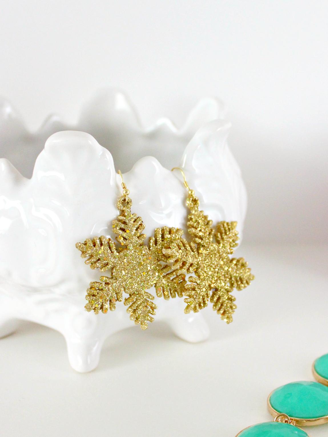 DIY GLITTER & GOLD SNOWFLAKE EARRINGS