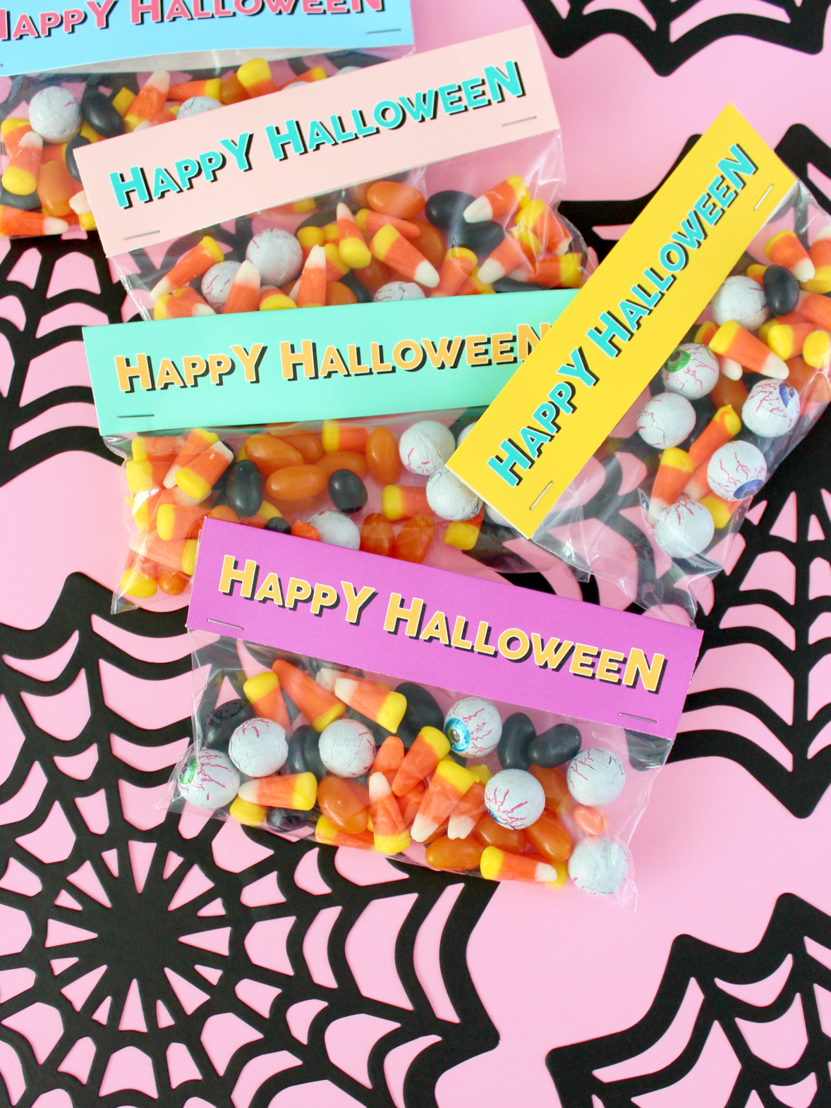 COLOURFUL HALLOWEEN CANDY BAG PRINTABLE LABELS