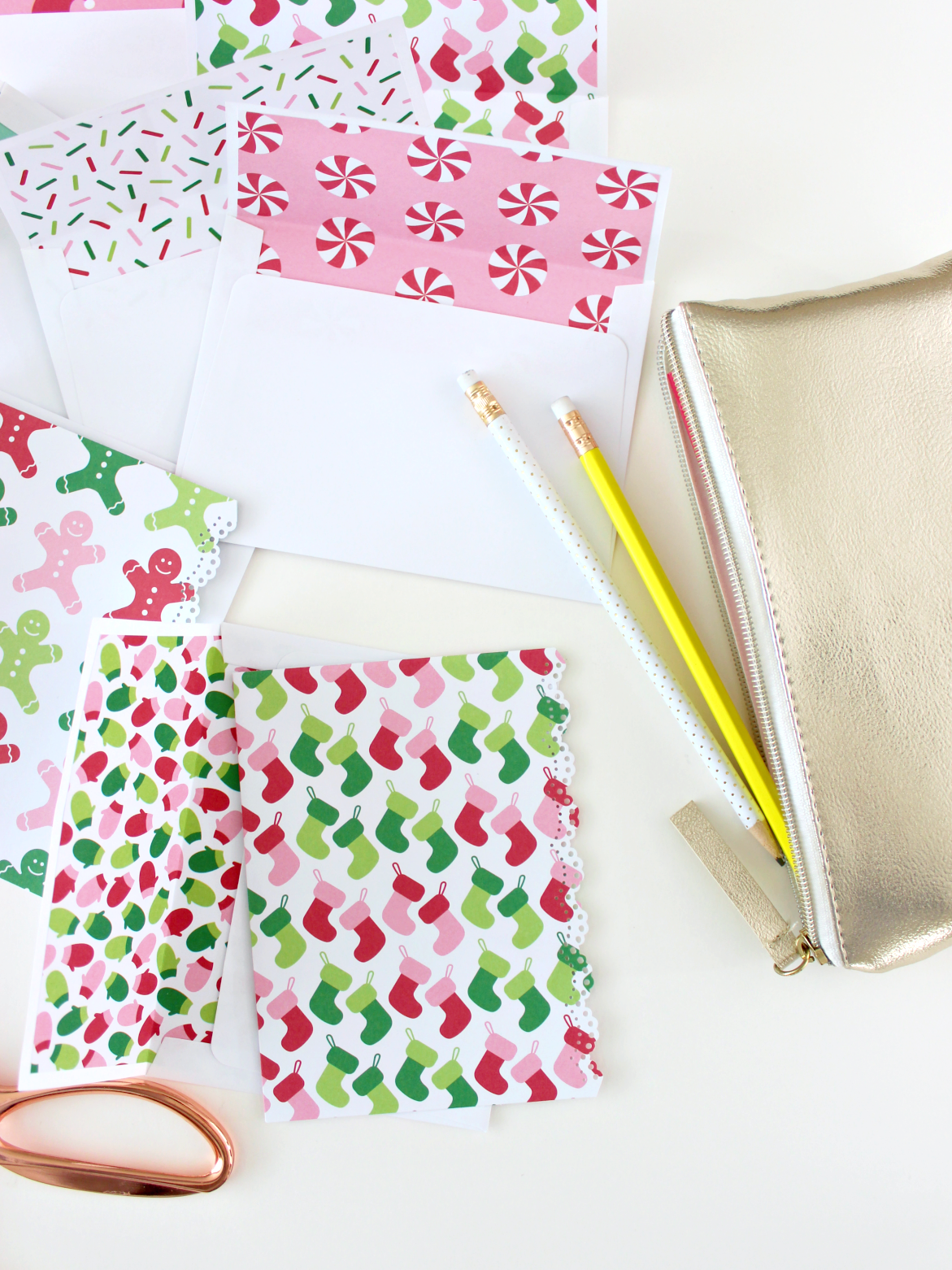 CHRISTMAS PAPER ENVELOPE LINERS