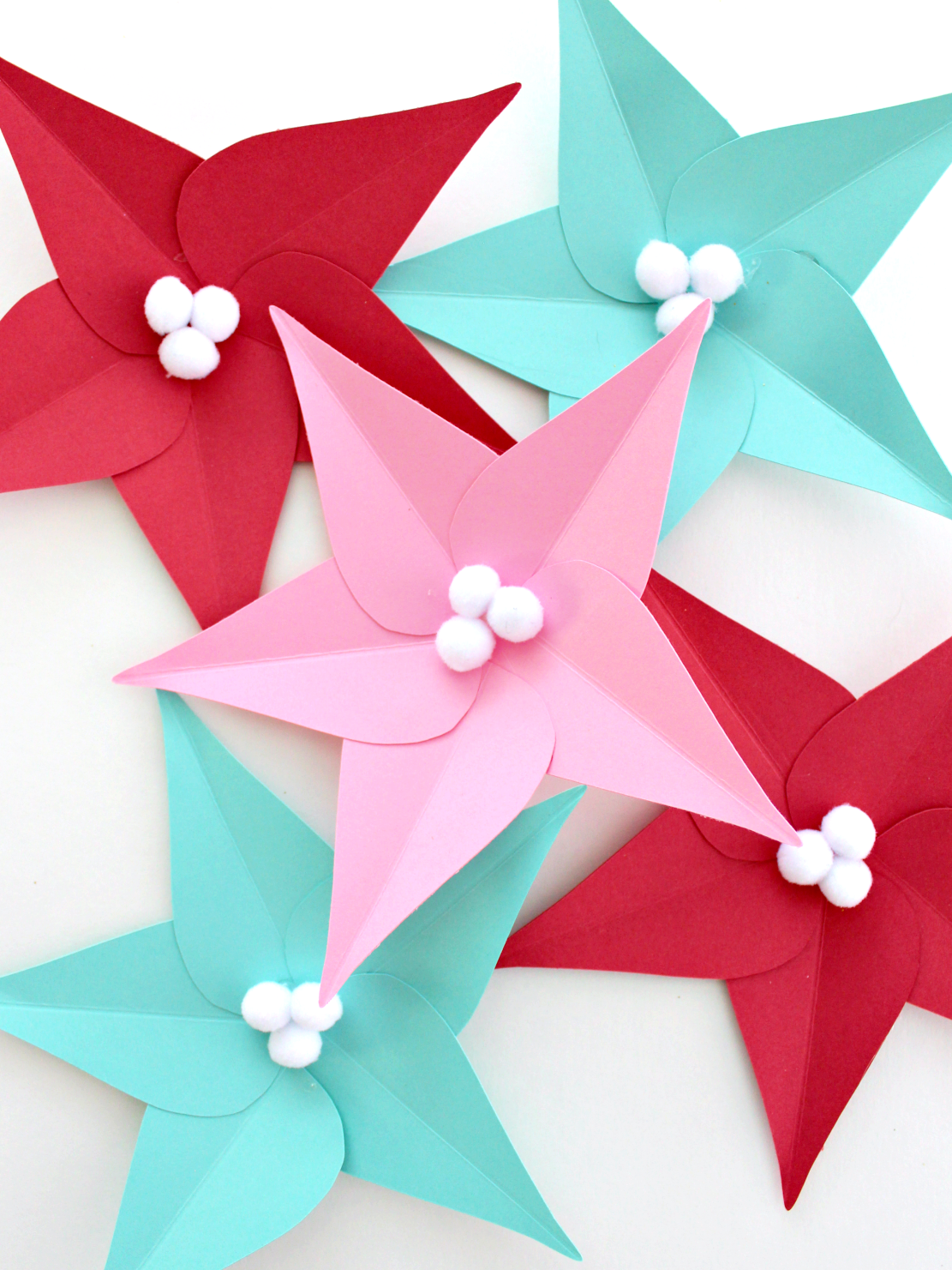 HOW TO MAKE PAPER POINSETTIA LEAVES (& FREE TEMPLATE)