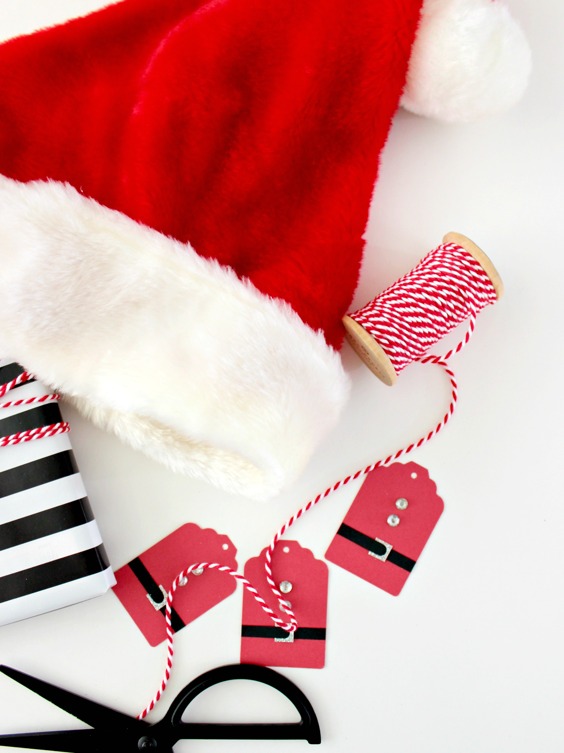 SANTA SUIT GIFT TAGS