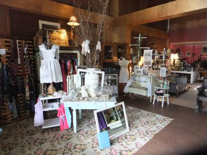 Lily Bees Consignment Shop | Wix.com