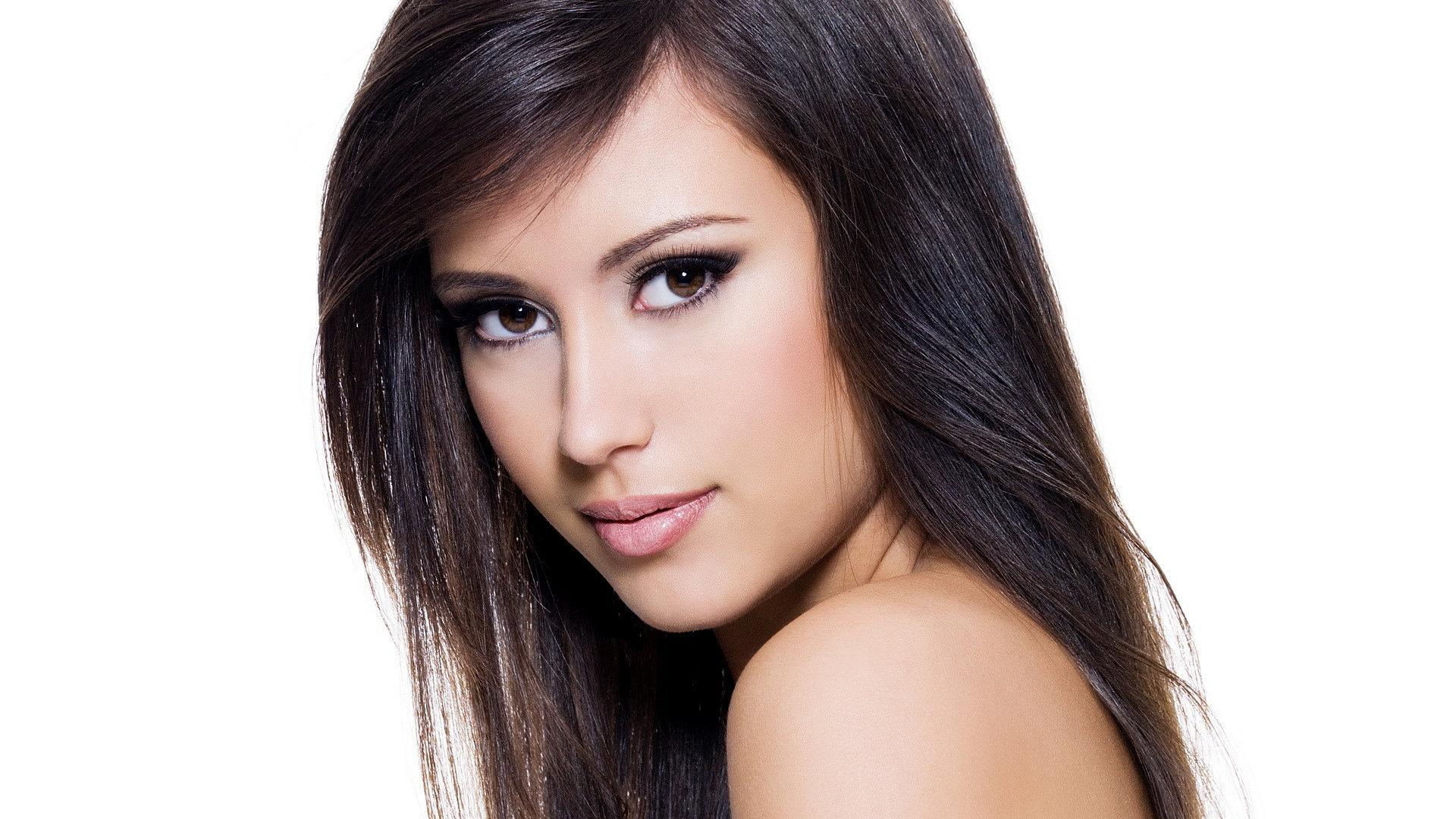 Красивый макияж кареглазых брюнеток