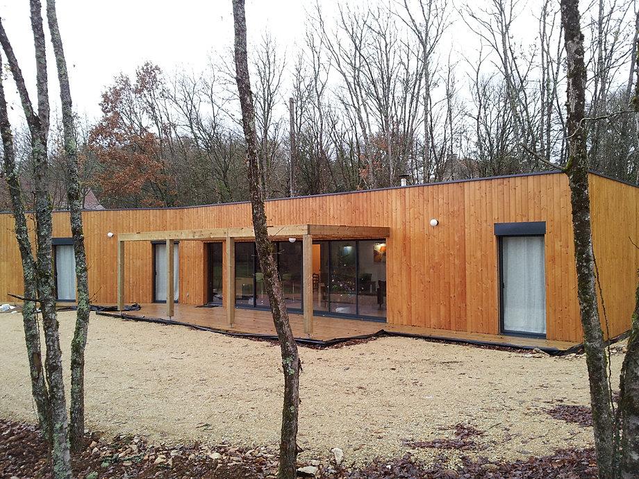 maison construire en bois nous proposons toute une gamme. Black Bedroom Furniture Sets. Home Design Ideas