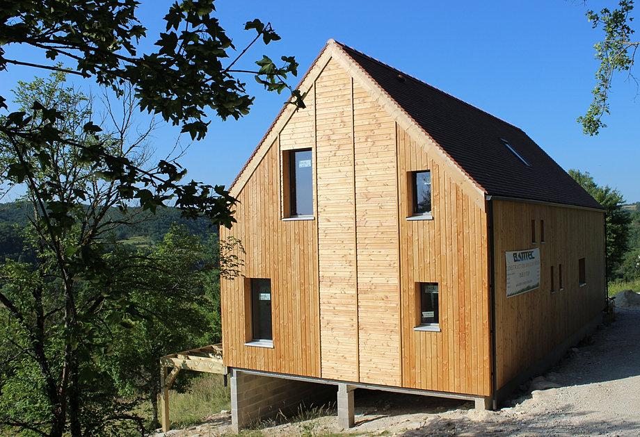 Construction ecologique maison bois cahors batitec 46 lot for Construction bois 93