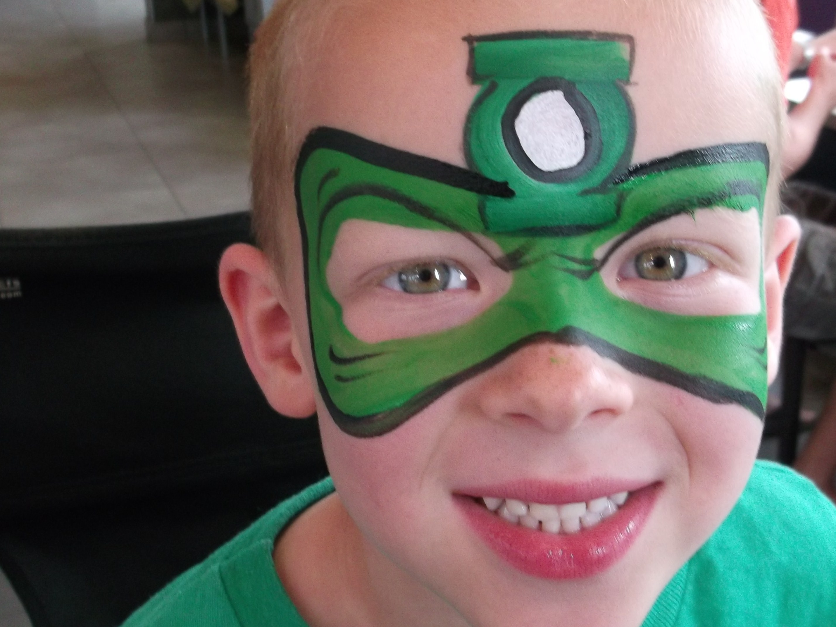Green lantern mask face paint - photo#21