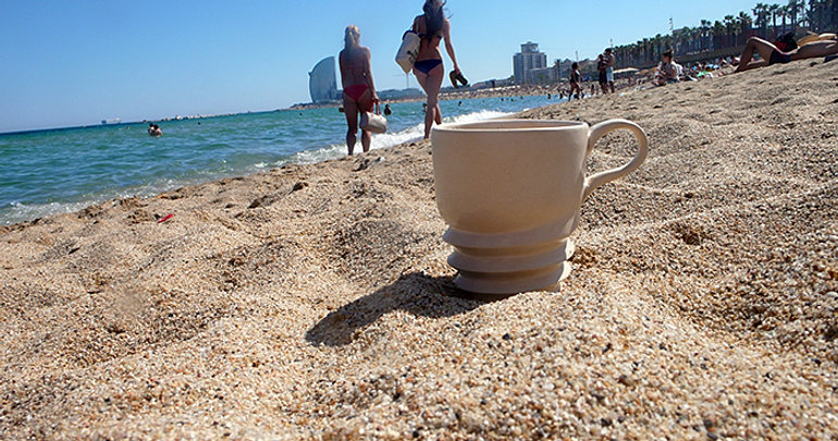 hot mug _ hot beach_ hot girlⓒMinji Jung