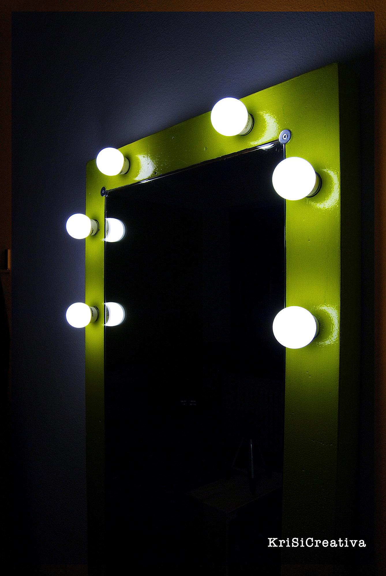 Krisicreativa specchio da camerino for Luces camerino