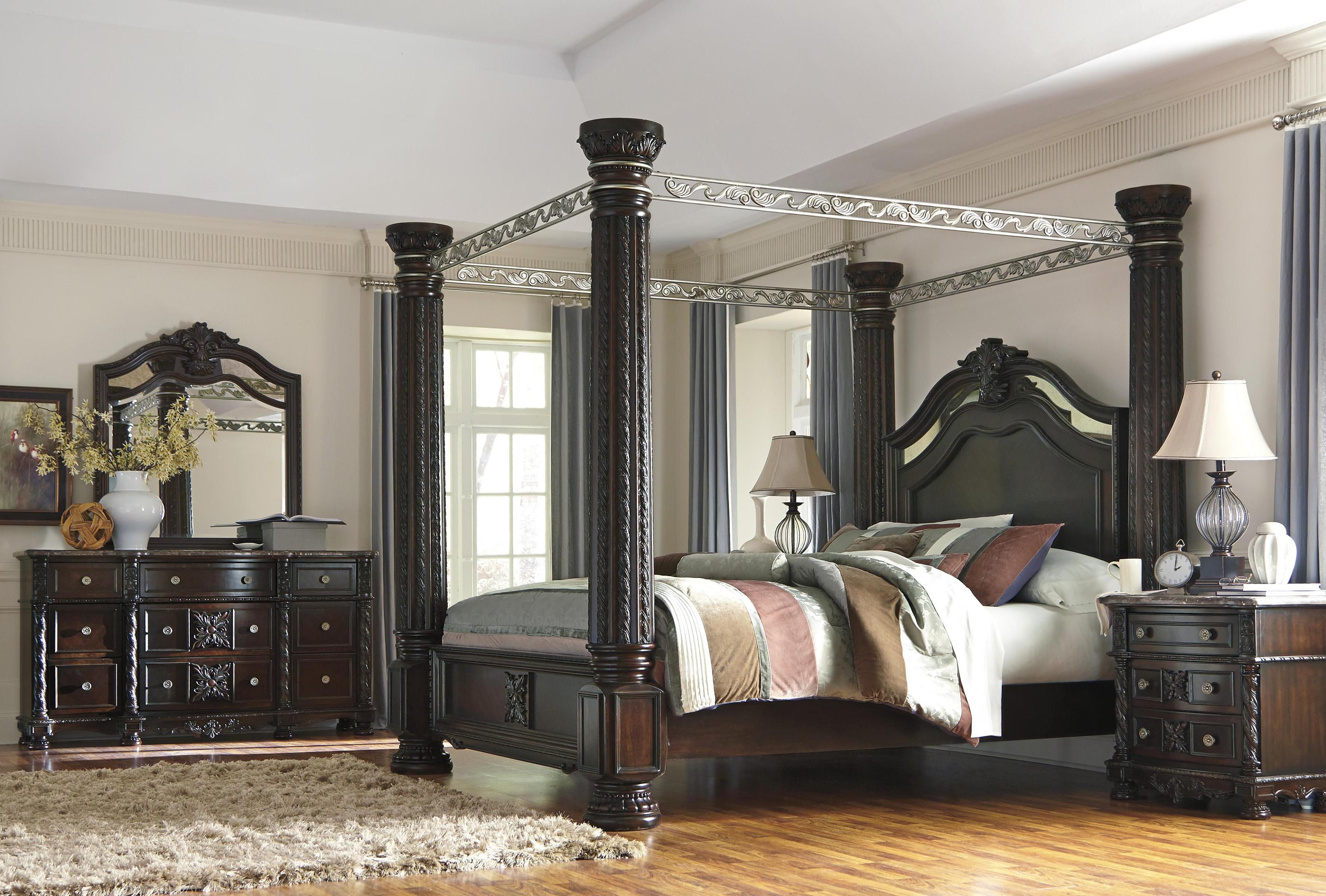 Nationalwide Furniture Detroit   Ashley Modern Canopy Bedroom Set.