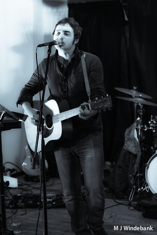 David McKellar Glasgow Solo Wedding SingerWedding Afternoon Entertain