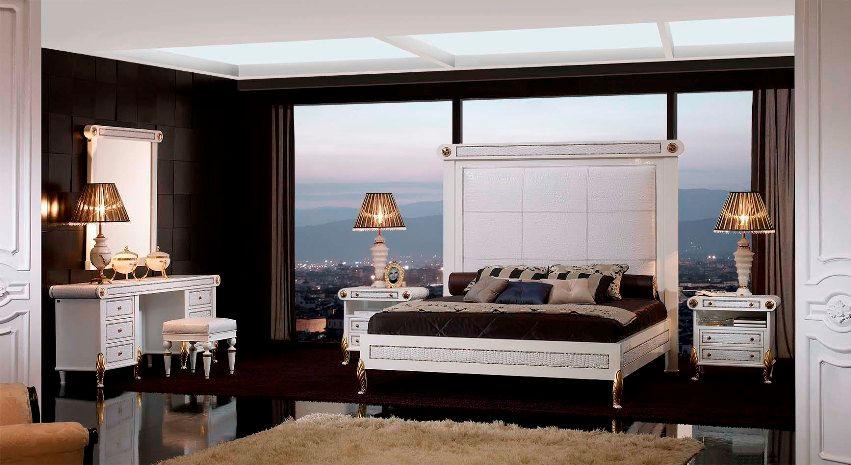 cama 4.372€. tocador 4.368€