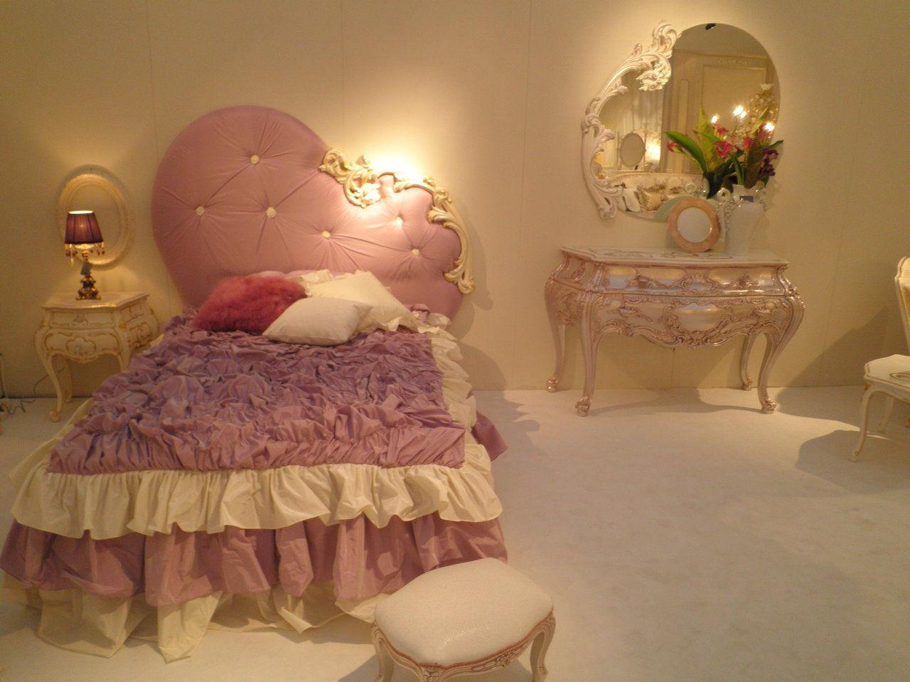 cama 4.420€. comoda 6.360€