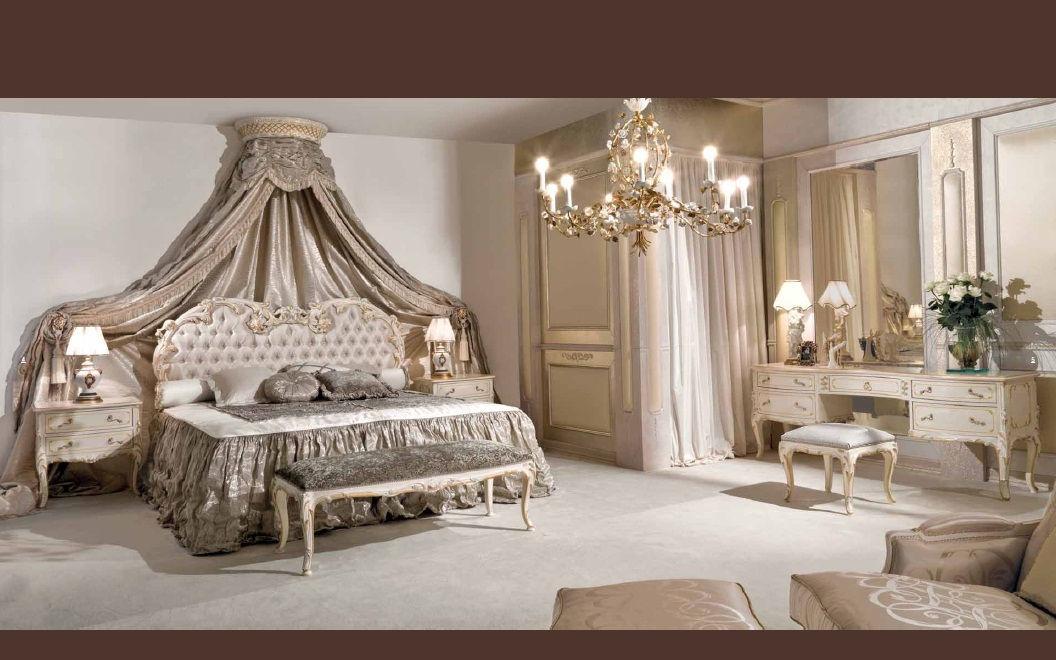 cama 5.600€. mesita 2.030€
