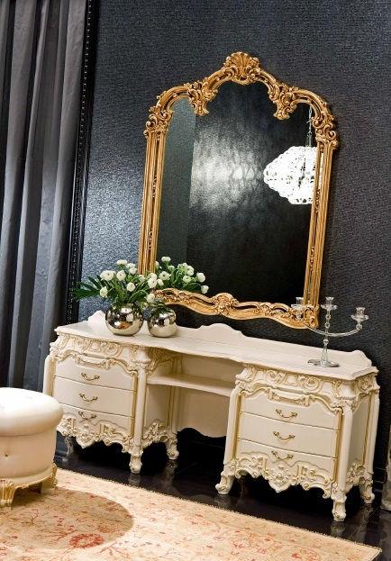 tocado 3.620€. espejo 1.050€