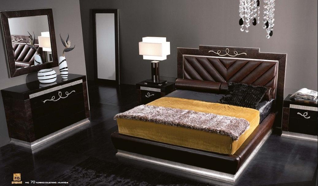 cama 8.720€. mesita 3.190€