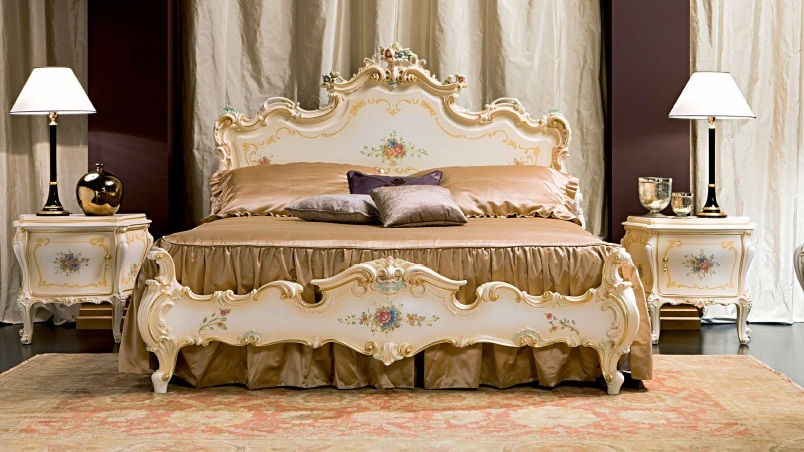 cama 2.500€. mesita 1.020€
