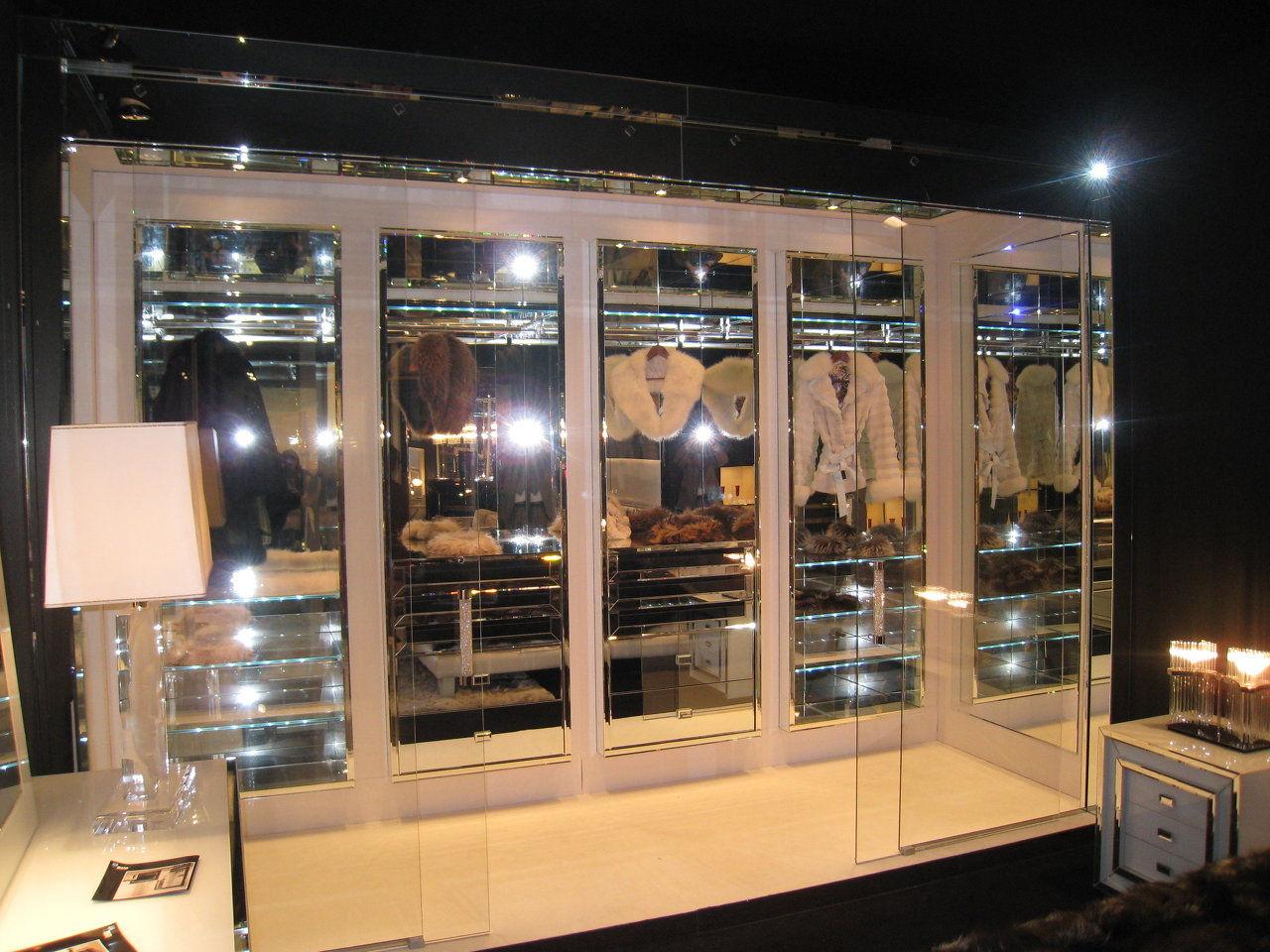 armario sin puertas 15.000€
