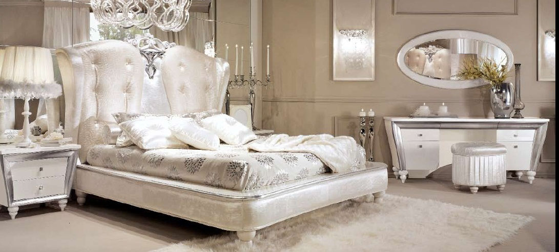 cama 6.770€. mesita 2.600€