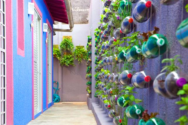 banco de jardim leroy:Jardim Vertical Com Materiais Reciclados 8