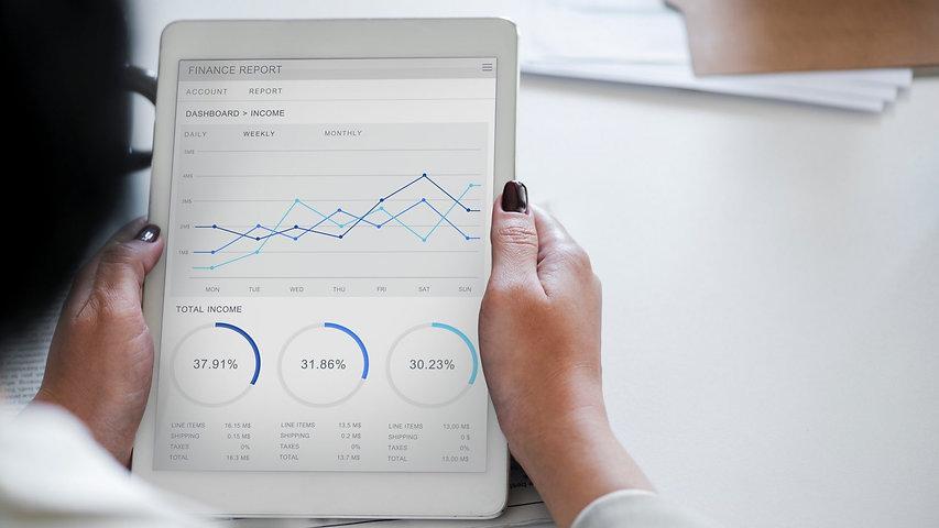analysis-businesswoman-chart-955447-1920