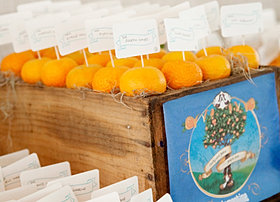 Wedding place card clementines