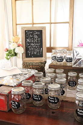 Mason jar favors display