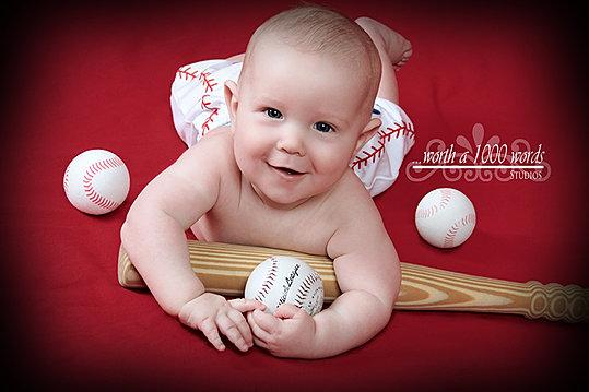 Infant Photography by Worth A 1000 Words Studios www.wortha1000wordsstjoe.com Sa