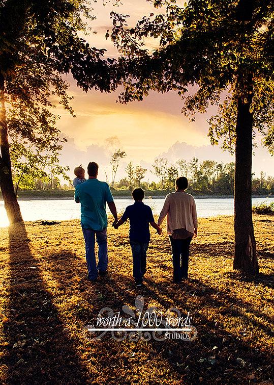 Outdoor Photogrpahy by Worth A 1000 Words Studios St. Joseph, MO 816-279-6000 www.wortha1000wordsstj